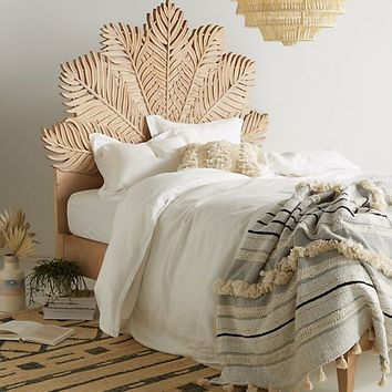 Carved Frond Bed
