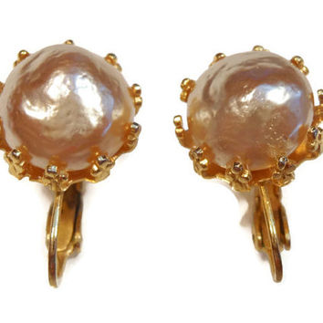 1950s Marvella champagne colored faux pearl earrings clip