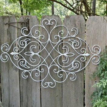 White Shabby Chic Metal Wall Decor/ Fleur from Theshabbyshak on