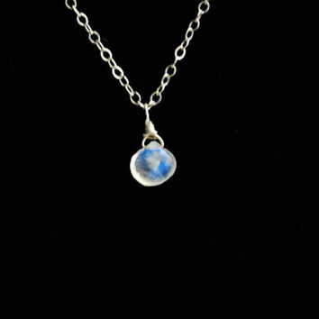 Moonstone Necklace. Moonstone Pendant Necklace. Silver Moonstone Necklace