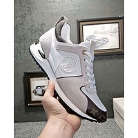 LV Louis Vuitton new tide brand men's classic logo metal color matching wild sneakers white
