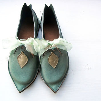 CUSTOM Leather Handmade bohemian fairy tale shoes, TITANIA leaf in Washed Ivy by Fairysteps