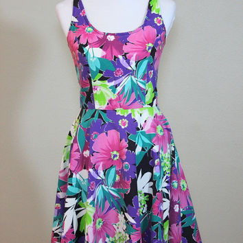 Vtg Floral Skater Dress Scoop Neck & Back Size Small Medium Heavy Cotton  Fitted Bodice