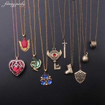 2017 Fashion Jewelry The Zelda Shield Legend Heart Shaped Crystal Necklace Alloy Gold Frame Love Hallow Necklaces & Pendants