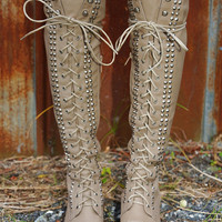 Take A Hike Boots: Taupe