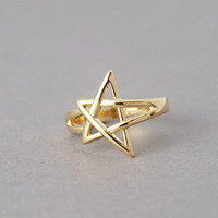OUTLINE GOLD STAR RING PINKY FINGER RING STAR SHAPED JEWELRY by Kellinsilver.com - Fashion Jewelry Online SHop as ETSY