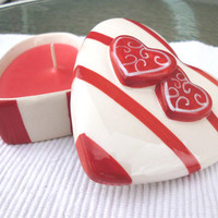 Handmade Creme Candle, Gardenia scented in Ceramic Heart with Lid