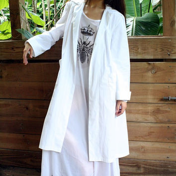Queen Bee White Cotton Robe Lingerie Sleepwear Bridal Loungewear Spa Honeymoon Holiday Cruise Bridal Dressing Robe