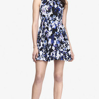 PLEATED KEYHOLE FIT AND FLARE DRESS - BLUE FLORAL from EXPRESS