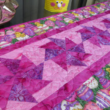 Table Runner Quilt Easter Egg 681