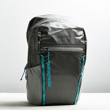 Patagonia Black Hole Lightweight 26 Liter Backpack | Urban Outfitters
