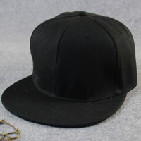 Black Simple Cap Hat