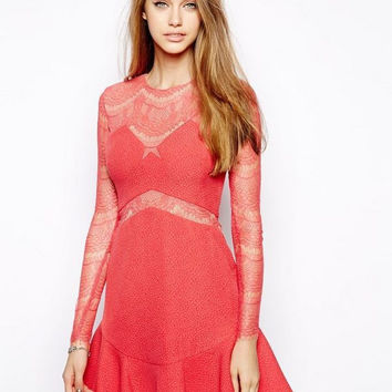 2015 new arrive three floor style women red/black color lace dresses