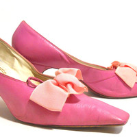 Pink Square Toe Bow Topped Kitten Heel Shoes circa 1960s by Capezio