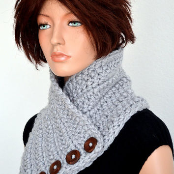 Crochet Neckwarmer/ Womens Handmade Neckwarmer/ Winter Fashion/ Fashion Cowl