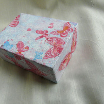 Small Jewelry Box, Butterfly Gift Box, Butterfly Jewelry Box, Baby Girl Pink Box, Pink Nursery Box
