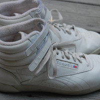 Vintage 80s 90s Reebok Freestyle High Top Hi Top White Leather Sneakers Tennis Shoes Aerobics Workout Exercise Size 8 Womens