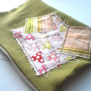 Scrappy Patched Zipper Pouch in Avacado Green