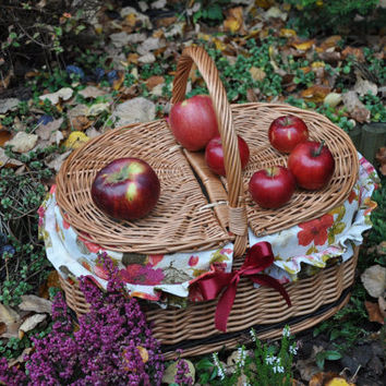 Willow picnic basket, new wicker picnic baskets, lined picnic basket, hand woven, decorative picnic basket, floral linen lining