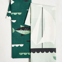 Aweigh From It All Tea Towel Set in Coral Reef | Mod Retro Vintage Kitchen | ModCloth.com