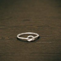 Knot ring Sterling silver by Hoas on Etsy