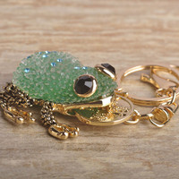 Kawaii Green Blue Lucky Toad Keychains Women Present Chinese Wealth Frog Key Chian Moon Chaveiro Keyring Llavero Free Shipping