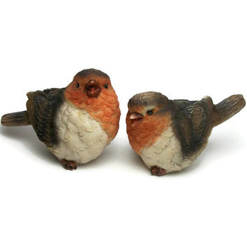 Vintage Pair of European Robin Redbreast Figurines - Small Resin Bird Collectibles Knick Knacks Set