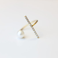 Pearl and CZ bar Ring