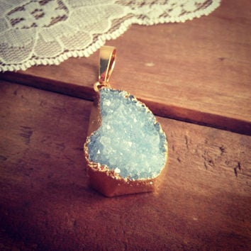 Large Blue Druzy Agate Pendant in brass Gemstone jewelry supplies  AA005