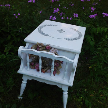 Vintage table, Wood End table, coffee table, painted end table, shabby chic, White Ethan Allen Magazine rack - Side Table, Maple wood