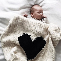 2017 Fashion  Loving heart Baby Blanket Knitted Baby Bedding Wrap Soft Blankets Girls Blankets Newborn Big Rabbit Ear Swaddling