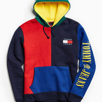 Tommy Hilfiger '90s Colorblock Hoodie Sweatshirt | Urban Outfitters
