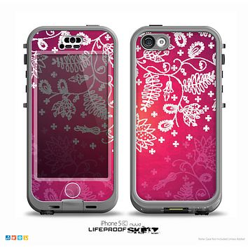 The White Flower Ornament on Pink Skin for the iPhone 5c nüüd LifeProof Case