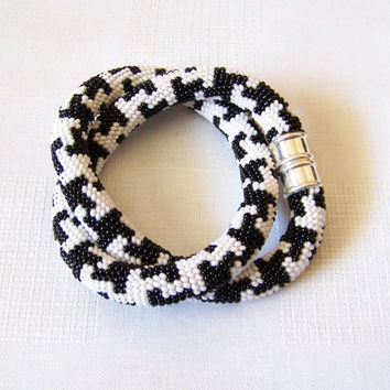 Beaded Crochet Rope Necklace - Beadwork - Seed beads jewelry - white and black geometry necklace - modern necklace - classic necklace