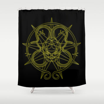 alien 2 Shower Curtain by Pedro Vale