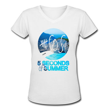 5 Seconds of summer V-neck T-shirt. logo 17. V neck. 5sos V-neck T-shirt.5sos shirt. 5sos tshirt. 5 sos