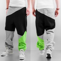 Urban Classics Zig Zag Sweat Pants Grey/Black/Lime Green von Def-Shop.com