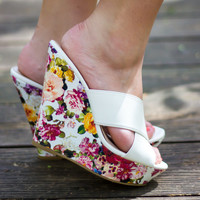 Stepping In The Garden Wedges - Final Sale