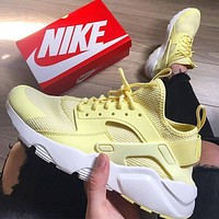 NIKE AIR HUARACHE Yellow Middle Tops Wallace 4 Generation Searkers B