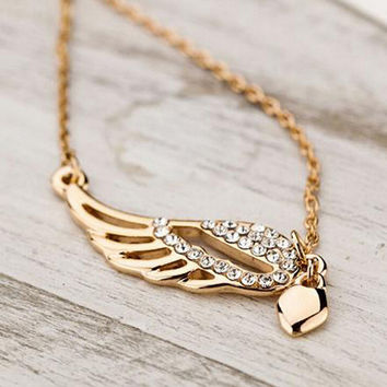 New Heart Angel Wings pendant Necklace Fashion Women Charming Crystal Chain Necklace Chocker necklace Free shipping