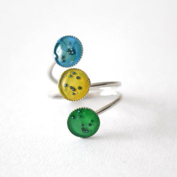 Triple Silver dot colorful ring, blue, yellow, green