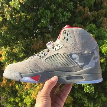 (With Box) 2017 air jordan retro 5 5s camo men Basketball Shoes camouflage trophy room retro 5s Grey Red sports shoes Sneakers size 36-47