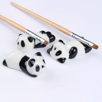 1Pc Nail Brush Pen Rack Ceramic Stand Holder Cute Panda Manicure Nail Art Tool Random Pattern