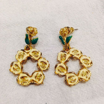 Vintage cream enamel rose flower wreath painted gold earrings costume jewelry Spring Easter Summer