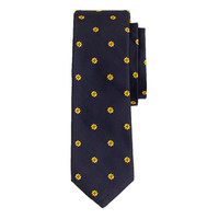 ENGLISH SILK TIE IN EMBROIDERED DAISIES