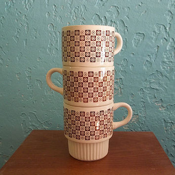 Vintage Retro Brown Flower and Checker Patterned Stackable Mugs Made in USA Set of 3