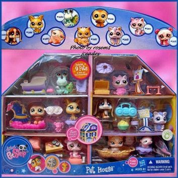 Littlest Pet Shop Exclusive Playset Pet House Includes 9 Pets