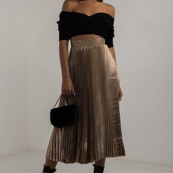 AKIRA Stretchy Waist Pleated Metallic Midi Skirt in Gold