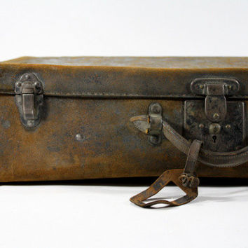 Vintage Leather Suitcase / Vintage Luggage / Old Leather Suitcase
