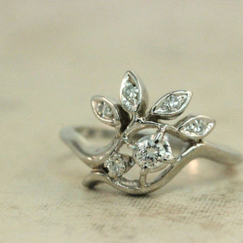 Vintage Diamond Ring 14k White Gold Ring Estate Ring Retro Ring 1940s Ring Promise Ring Right Hand Ring Engagement Ring Size 5.75